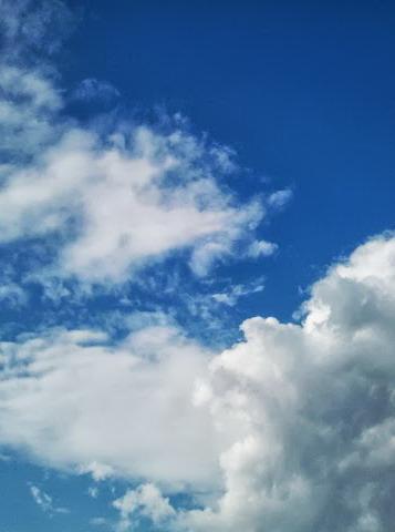 『ゆきあいの空』 (2012年9月3日撮影)